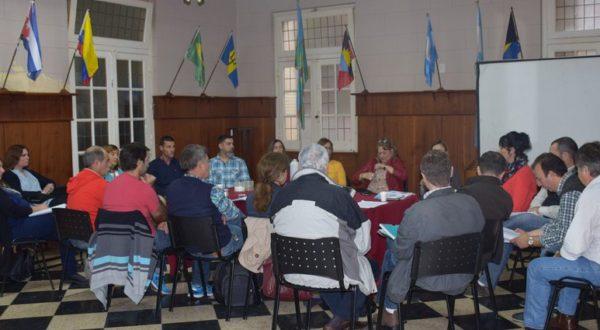 Actores de la educacion durante la reunion este martes en el Municipio