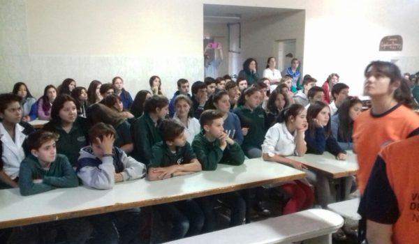 Alumnos y docentes que fueron instruidos en RCP