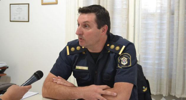Comisario Jose Maria Vazquez en dialogo con la prensa local donde brindo detalles del accidente