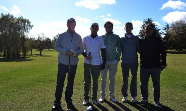 Federico Stickar, Maxi Pugnale, Miguel Sancholuz, Felix Gourgy y Pablo Langono, el golf entrega amistad tambien