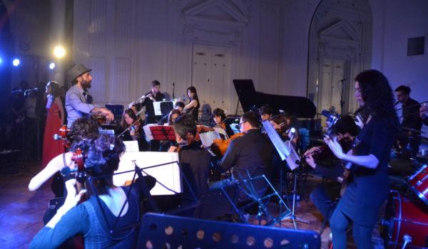 La Orquesta en oportunidad de presentarse en el Salon Blanco, ahora lo hara en Dennhey