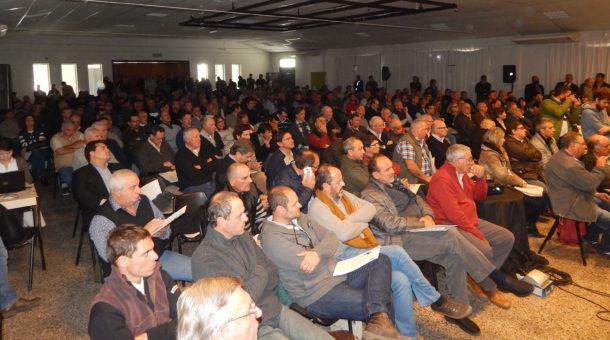 Mas de 500 asistentes al 1er Simposio de Caminos Rurales en Rauch