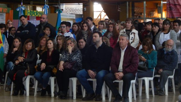 Autoridades presentes durante la apertura de la Feria