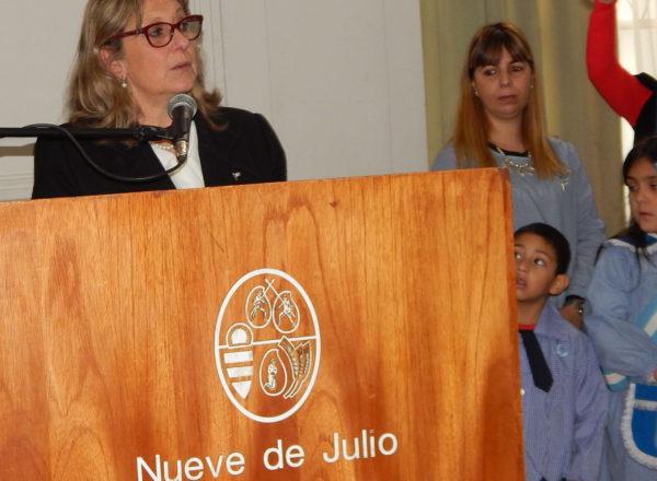 Liliana Vallabriga alento a fortalecer las bases de la republica