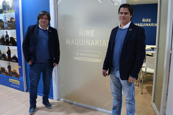 Matias San Martin y Rolando Barcelo en la oficina de Ñire Maquinarias en el Stand de New Holland en Palermo