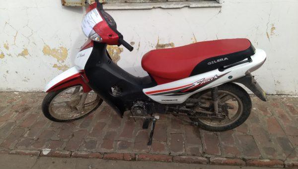 Moto Gilera robada en 9 de Julio