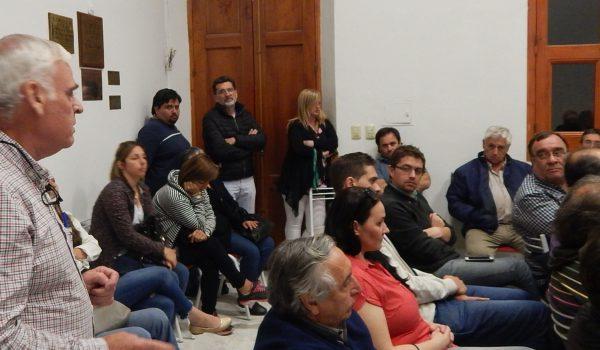 Battistella y Jorge Silvestre que se vieron enfrentado por diferencias politicas, acordaron trabajar por el bien del partido