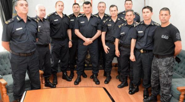 Comisario Inspector Gil, el primero a la izquierda junto a los jefes de Policias Comunales de la Departamental