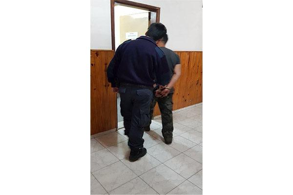 Detención de masculino
