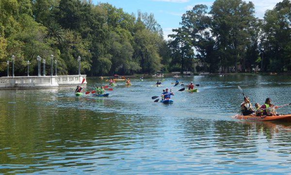 El espacio lacunario del Parque cobro vida este verano ultimo verano con actividades de kayak