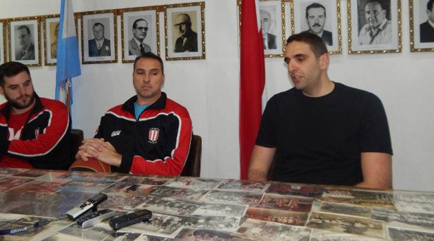 En la Secretaria del Club, Juan Gutierrez junto a Diego Callegaro y Agustin Ponnisi