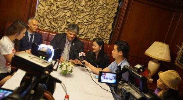 Forte en dialogo con medios periodisticos de China