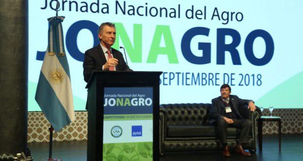 Mauricio Macri busco limar asperezas con el campo ante productores de CRA