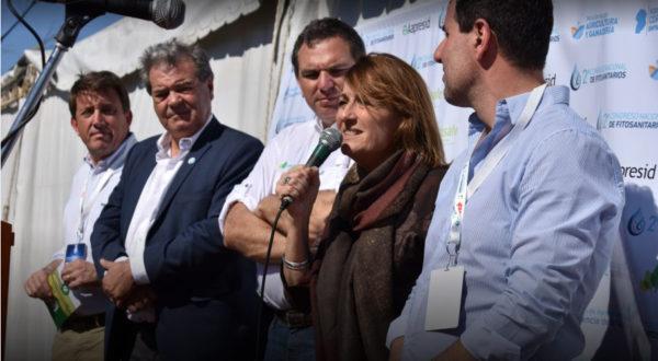 Ministra de agricultura de Santa Fe, junto a su par de Cordoba, de INTA y Casafe durante la presentacion del convenio