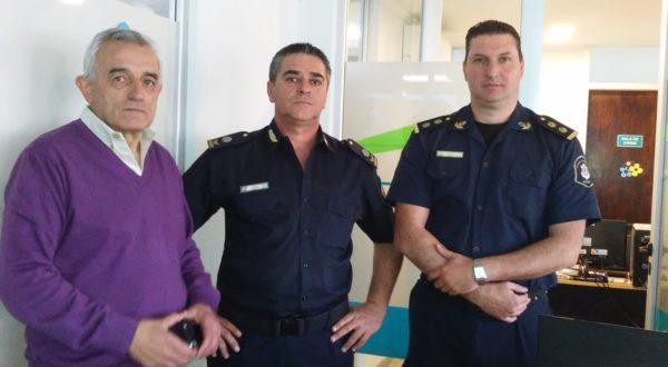 Zotti detallo al nuevo Jefe de Policia Departamental el trabajo en el Centro de Monitoreo de Camaras de Seguridad