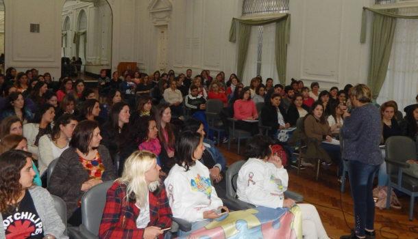 Asistentes a la charla convocada por el grupo de Dudignac