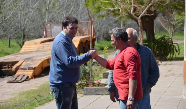 Barroso aprovecho para contactar con los vecinos