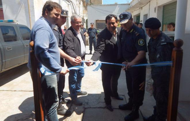 El Intendente Barroso junto al Comisario Inspector Gil y demas funcionarios dejan inaugurada las nuevas dependencias en Comisaria