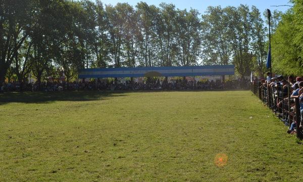 El publico colmo el campo de Doma de Sociedad rural de 9 de Julio