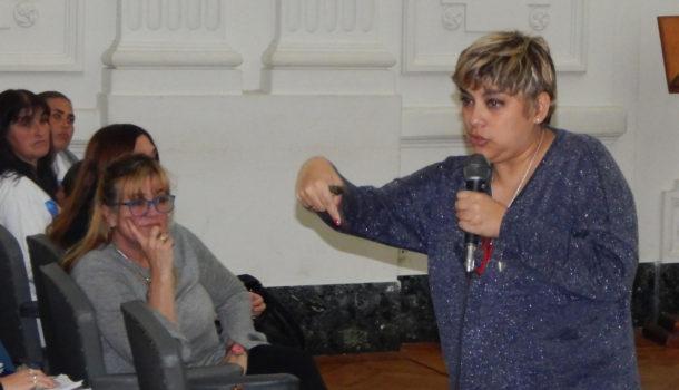 La Directora Silvana Corso movilizo el interior de mas de un centenar de personas en el Salon Blano
