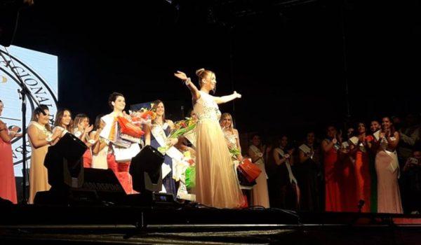 La joven nuevejuliense al ser mencionada como la nueva reina de la fiesta del caballo en Bragado