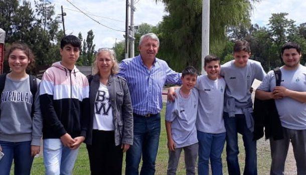 Integrantes de la delegación de La Técnica que viajo a Esteban Echeverria en la instancia provincial