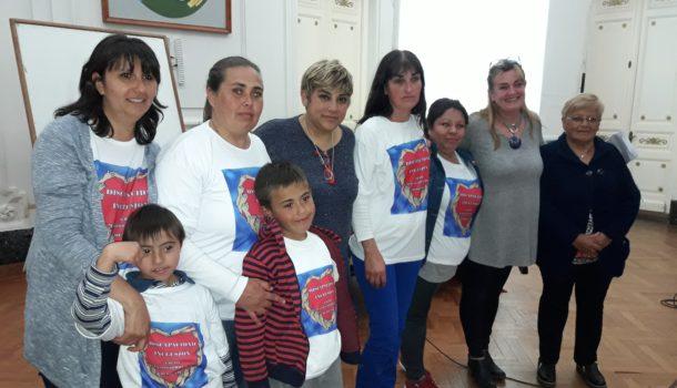 Madres integrantes de la ONG, Silvana Corso y Silvina Odello de la Direccion de Discapacidad Municipalidad 9 de Julio