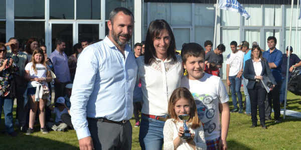 Paula Ferrere de Pro Huerta junto a Fernando Bono de Produccion municipal