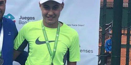 Tomas Benitez logro medalla de plata en tenis