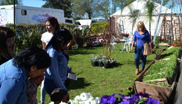 Vivero El Paseo, exhibe una gran gama de plantas y flores
