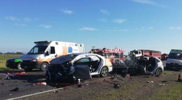 Asi quedaron los automoviles tras el impacto en la ruta nacional 205