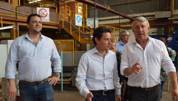 Balbo, Sanchez Zinny y Barroso recorriendo el establecimiento