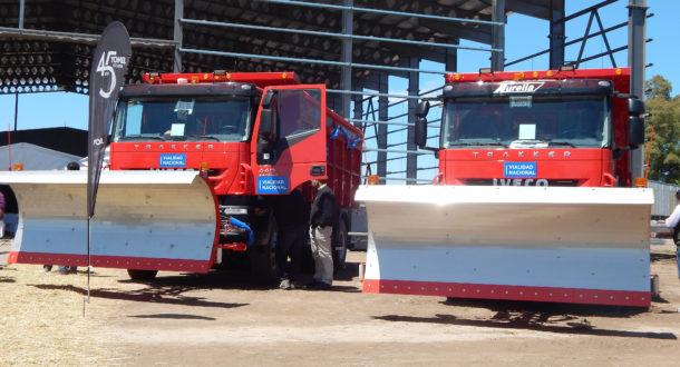 Camiones barre nieve que se producen en Yomel, siendo toda una innovacion en el pais