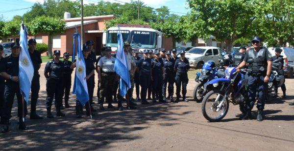 Efectivos de la Policia Comunal posaron para El Regional Digital