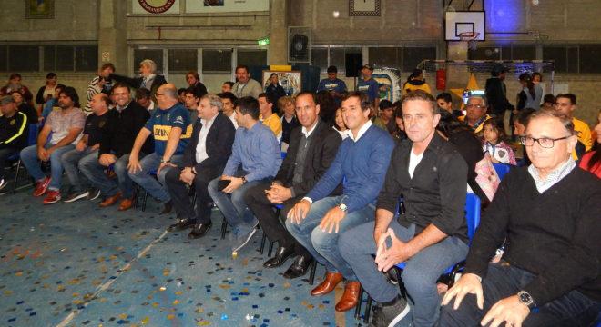 Ferrari, Abramovich, Gribaudo, Navarro Montoya, integrantes de la Peña Antonio Roma y el Intendente Barroso