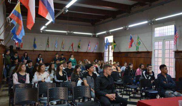Jovenes que asistieron a las charlas de capacitación y formación