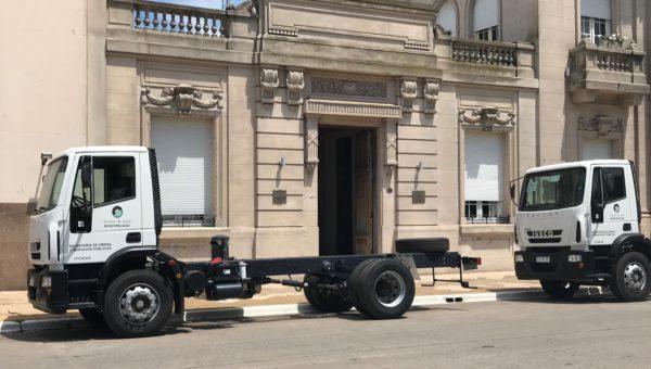 Los dos camiones adquiridos por el municipio