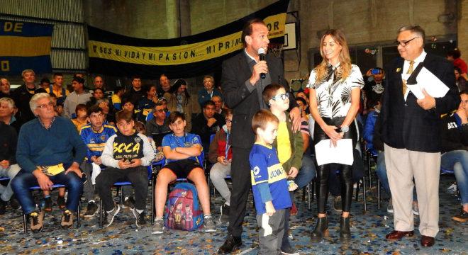 Navarro Montoya dirigiendose al publico