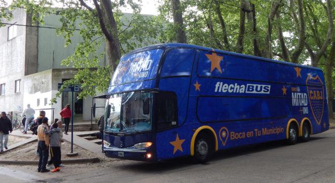 Omnibus que exhibe el programa Boca en tu ciudad