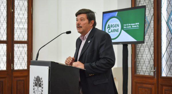 Dardo Chiesa, presidente de CRA durante la presentacion de ArgenCarne