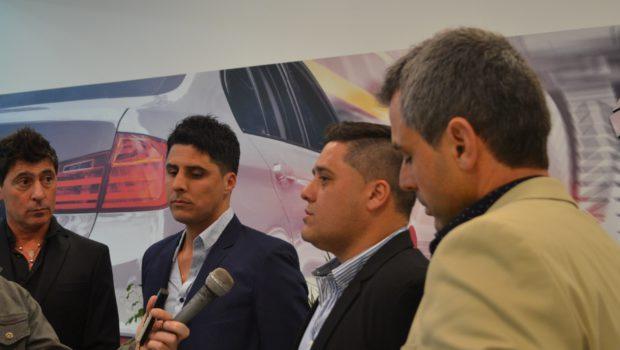 Dialogo con la prensa local