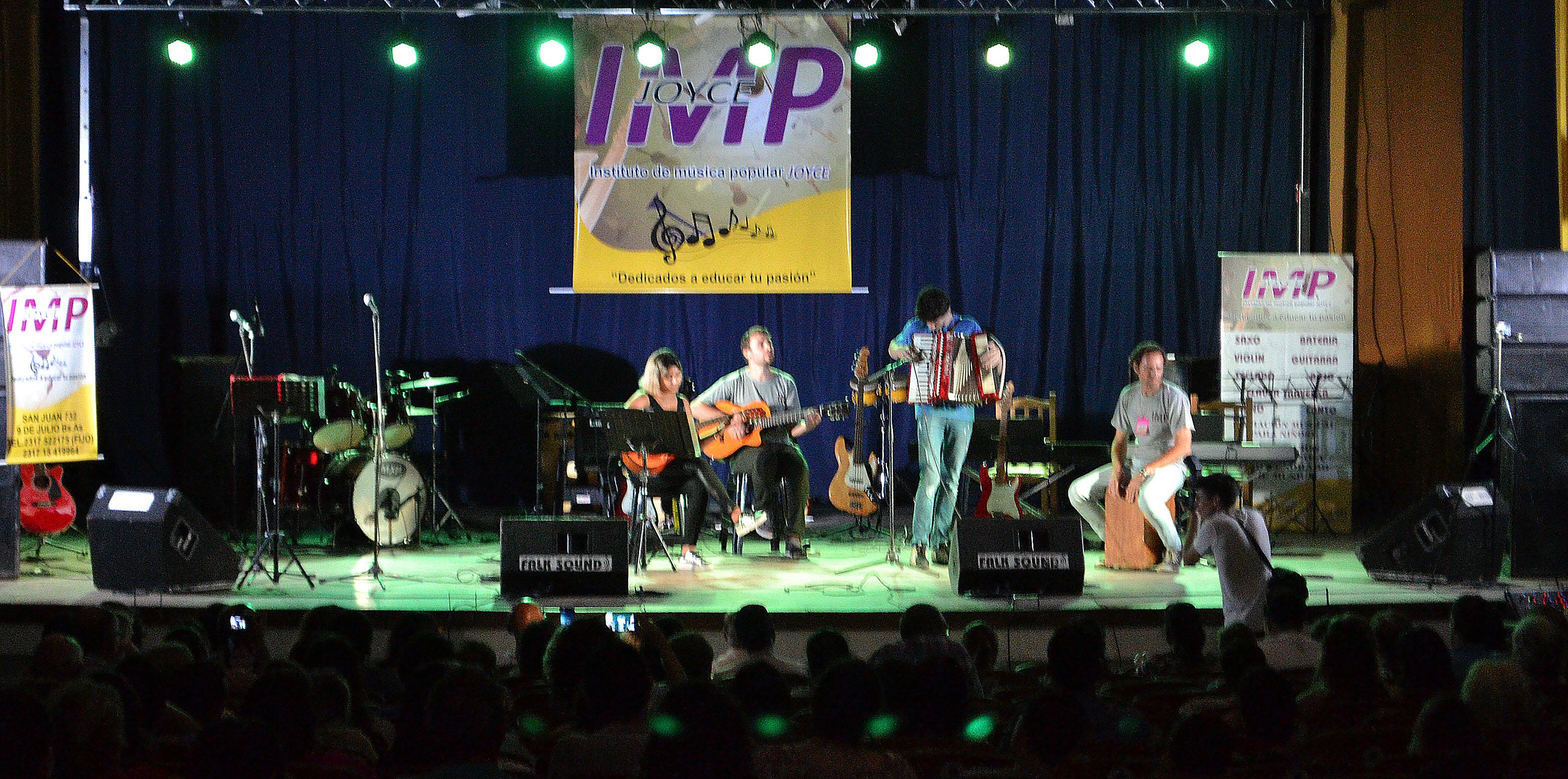 El Instituto de Musica Joyce, deleito con sus alumnos en dos galas musicales