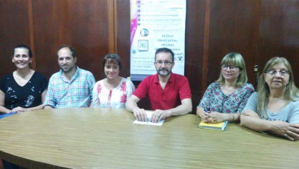Marcelo Baglietto junto a colaboradores de ISFD Nº4
