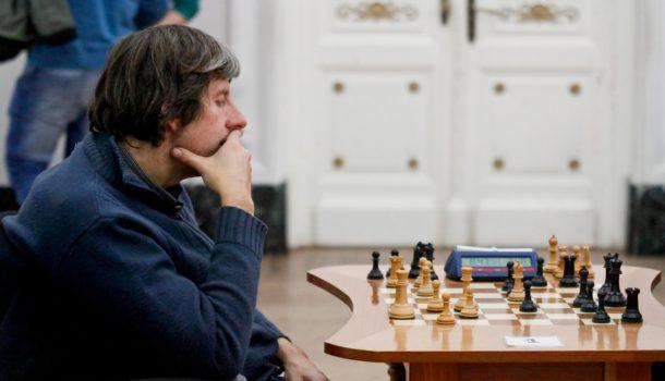Musanti durante una partida de ajedrez en el Salon Blanco- foto archivo