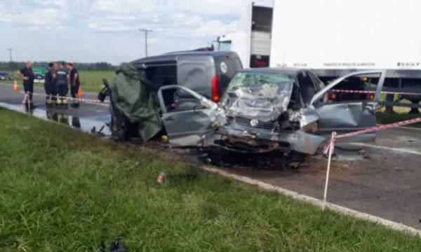 Asi quedaron ambos vehiculos tras el impacto