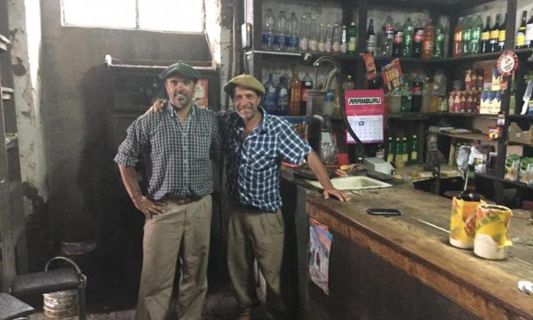 Diego Aguilar y Miguel Cattaini en el Almacen de Santos Unzue