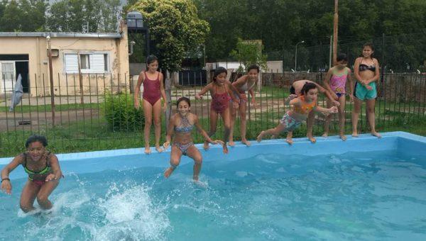 En Pibelandia en la tarde del miercoles, un grupo de niñas disfruta ya de la EAV