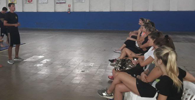 Grupo de mujeres que acudieron a la instruccion