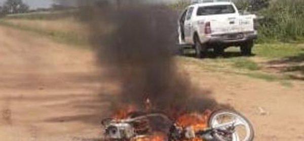 La motocicleta que su propietario incendio