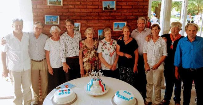 Los Hermanos Doeswjik celebraron hoy sabado la llegada al pais hace 70 años
